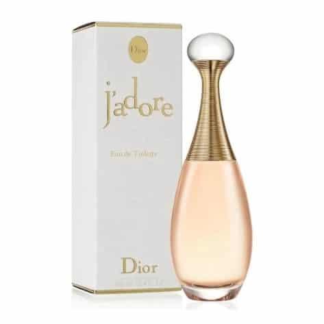 O perfume J'adore é um clássico e faz sucesso entre as mulheres mais elegantes.