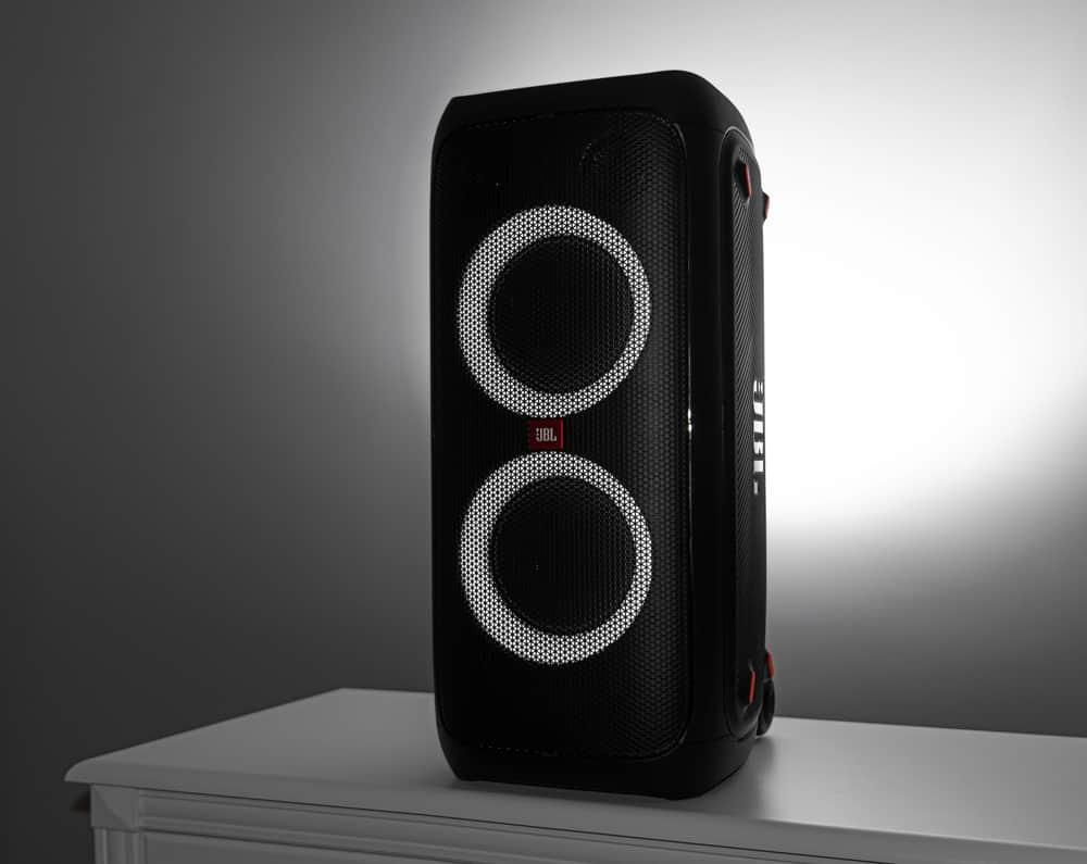 Escolha a sua caixa de som na Lojas Zema