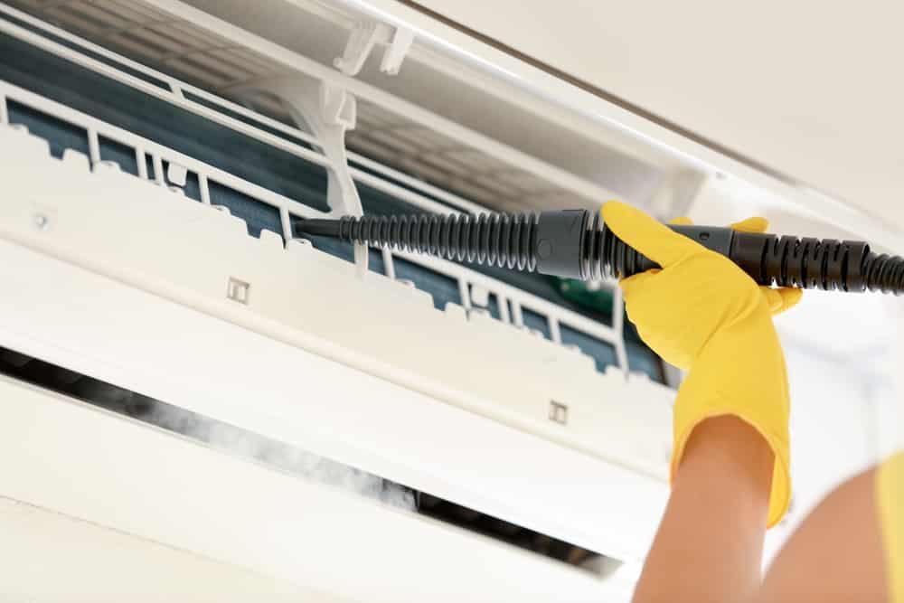 A limpeza do ar-condicionado Split é simples e prática